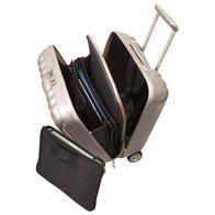 Avec un intérieur chic équipé d'accessoires de rangement  : séparateur filet, poches.